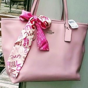 Coach City Tote w/Scarf
